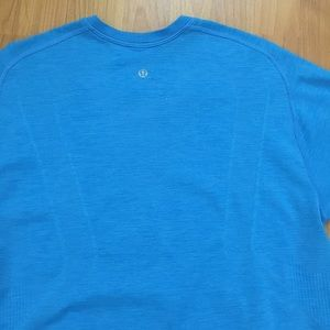 Lululemon Athletica Men's Logo Blue Tee Medium